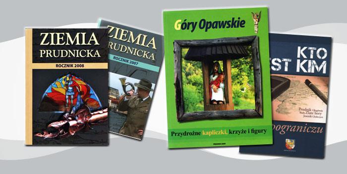 Zdjęcie przestawiające książki pt: Kto jest kim na pograniczu, Góry Opawskie, przydrożne kapliczki, krzyże i figury, Rocznik 2008 - Ziemia Prudnicka, Rocznik 2007 - Ziemia Prudnicka.