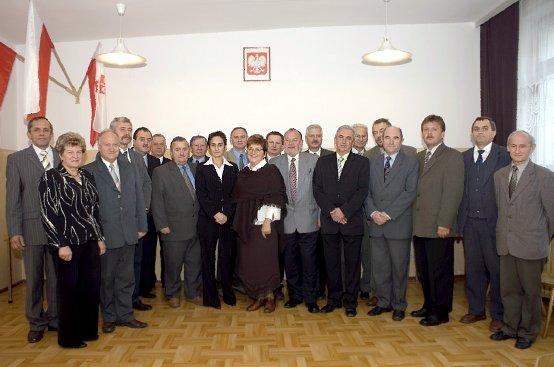 Zdjęcie przedstawiające Rade Powiatu II Kadencji 2002-2006