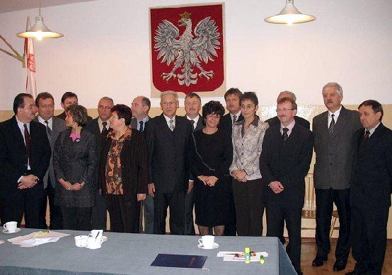 Zdjęcie przedstawiające Rade Powiatu III Kadencji 2006-2010